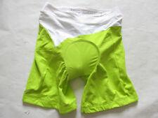 Shorts vert pour cycliste