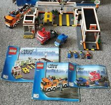 LEGO CITY 7642 - GARAGE - 100% COMPLETE WITH ALL FIGURES & INSTRUCTIONS