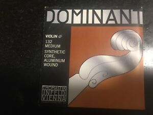 Thomastik Dominant Violin Strings A D G With Obligato E String 4/4