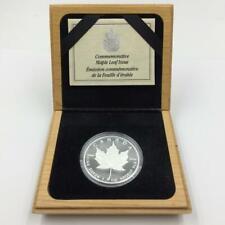 """(1) 1989 Canada $5 1Oz Silver """"Commemorative Maple Leaf Issue"""" W/ Box & Coa #19"""