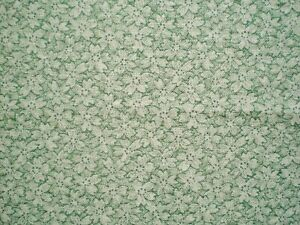 VINTAGE COTTON FABRIC FLOWERS ON GREEN BACKGROUND 2.5 YDS QUILTING