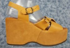 BARE TRAPS Size 9 Womens Light Btown Leather Buckle Up Wedge Style Sandals