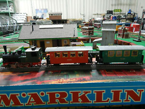 Marklin Minex 3450 Locomotive & 2-Coaches
