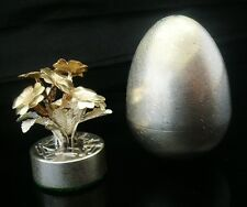 Silver Surprise Egg with Flowers, Peter Nicholas, London 1990