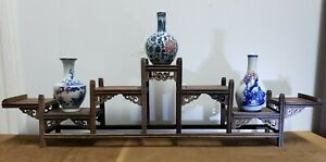 ANTIQUE GIFT SET (Classic White and Blue Porcelain Vase of 3 &Wood stand )