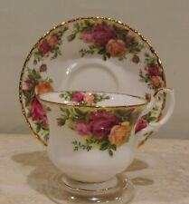 Vintage Teacup & Saucer Royal Albert Bone China Old Country Roses