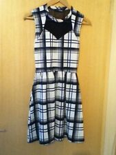 Polyester Checked Petite Sleeveless Dresses for Women