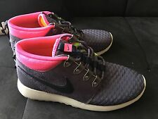 uk availability ea7d5 f5f6c Nike Roshe Run Navy   Pink Sneakerboot Shoes - Size 9.5 New without