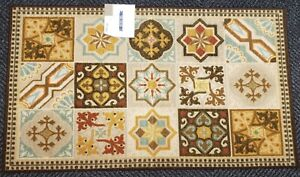 """JUMBO ACCENT KITCHEN RUG (26"""" x 45"""") 15 MOSAIC DESIGNS IN SQUARES, OW"""