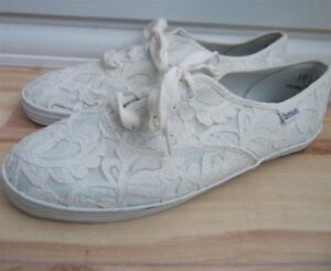 VTG 80's white ivory cream lace 50's style rockabilly tennis shoes flats 10.5