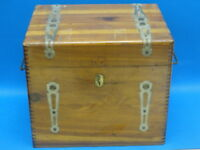 ANTIQUE ART DECO WOOD FANCY FINGER JOINT CHEST / BOX
