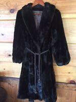 Grandella ll 2 Sportowne  Fur Coat,  Faux? Size 6 Fabulous Or Fly