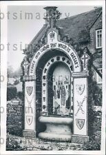 1953 Well Decoration Made of Flowers in Tissington England Press Photo