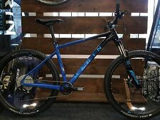 Marin Nail Trail 6 29er Hardtail XL 2017 11speed Rockshox has a paint chip