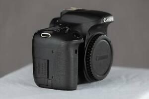 Canon  EOS 760D  Camera plus 4 LP-E17 Batteries