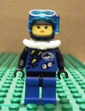 LEGO MINI–TOWN DIVERS–FEM BLUE DIVER, WHT TANK, DK BLUE MASK – GENT USED