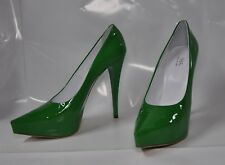 "1969 Green patent hi-heel pointy-toe Italian pump - Size EU43, 5.5"" heel - New"