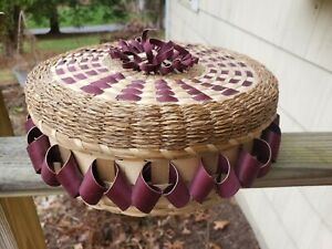 Beautiful Round Sweetgrass Basket with Lid
