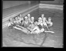 JOHNNY WEISSMULLER Swim Lessons Vintage 1940s 4x5 CANDID Studio Negative TARZAN