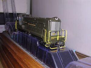 BOWSER #24248  Reading Baldwin VO1000 Diesel Loco #83 w/DCC & Sound H.O. 1/87