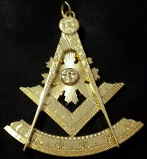 Freemason Past Master Collar Jewel in Gold Tone