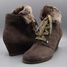 Clark's Women's Khaki Suede Ankle Boots size UK 7 D.