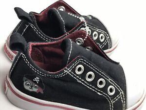 Gymboree Pirate Raccoon Shoes Sz 5/6 Black White Sneakers