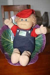 Cabbage Patch Kids - vintag boy in cpk outfit