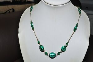 LOVELY VINTAGE ART DECO BANDED GREEN FOIL GLASS NECKLACE ON ROLLED GOLD WIRE