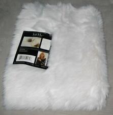 NWT Nicole Miller New York ASPEN 5 x 7 ft Faux Fur Acrylic Rug White