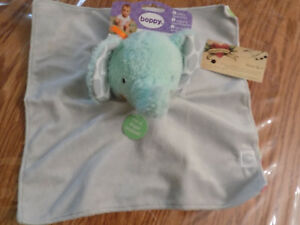 SECURITY BOPPY GRAY BLANKET GREEN ELEPHANT HEAD BACK IS STRIPES COLORFUL PUPPET