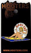 HOOTERS GIRL JENELLE SUNBATHING WITH TOWEL/UMBRELLA  DESTIN FLORIDA FL LAPEL PIN