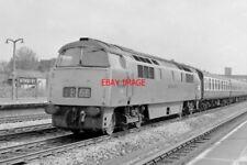 PHOTO  CLASS 52 WESTERN LOCO NO D1020  WESTERN HERO AT NEWBURY RAILWAY STATION