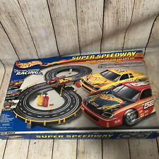 New 2001 Mattel Hot Wheels Super Speedway Battery Powered Slot Car Race Set