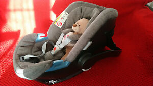 Mothercare Car Seat with newborn insert and sun cover - gray (used)