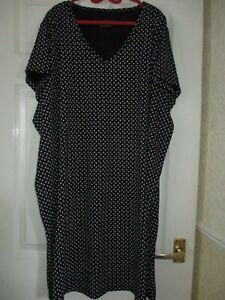 Pretty Secrets Black/White Spotted Short Sleeve Nightdress Size 32/24 NEW