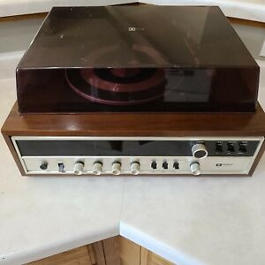 Hitachi DPK-321 Vintage Wood Record Player Turntable Phonograph Stereo Receiver