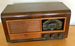 Vintage Ferguson Radio Model 461 circa 1940's
