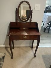 makeup vanity table with drawers