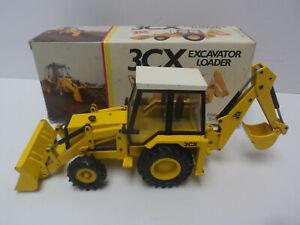 1/35 NZG JCB 3CX Excavator Backhoe Loader  #277    In original box   Black Cab