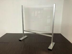 Barriera in plexiglass antibatterica, divisorio, a protezione del personale