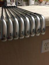USED RH CALLAWAY APEX cf 16 iron set. 4-A ( 8 CLUB SET). DYNAMIC R300 STEEL
