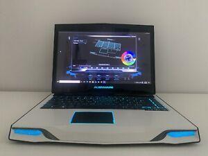 Alienware M14x R2 - Intel i7-3630QM - Nvidia GT 650M - Custom White Palmrest