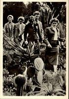 Olympiade MELBOURNE Australia 1956 Olympia DDR Sportler im Botansichen Garten