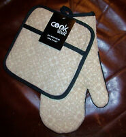 Kitchen Oven Mitt & Potholder Set 2 Pc Neoprene Rubber & Cotton Black & Beige