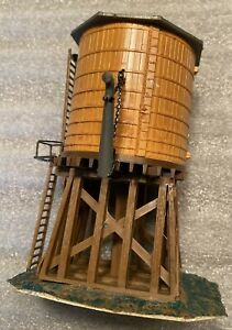 Built  Kit: WATER TOWER BUILDING HO Scale Model