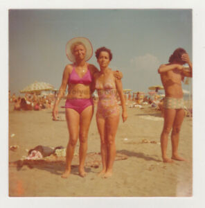 Two Pretty Cute Milf Women Beach Bikini Swimsuit Lady Attractive VTG Snapshot