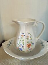 Vintage Federalist Usa Pitcher & Haegar 4060 Usa. Beautiful Flower Design.