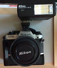Nikon FG-20 Cámara SLR Auto/Manual De 35mm con flash de gran condición, Lente 50mm