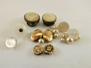 ANTIQUE STUDS COLLAR BUTTONS & CUFF LINKS LOT / MOTHER OF PEARL & GOLD REF 218/8